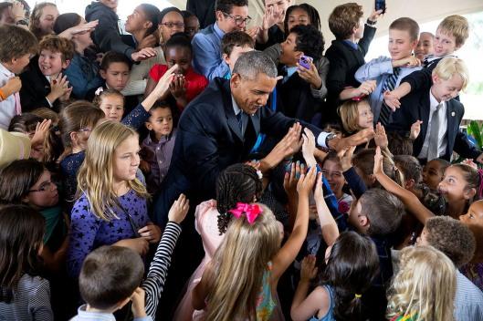 Obama-mit-kindern